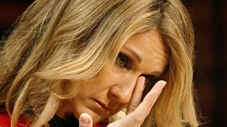 """بعد أيام من وفاة زوجها .... وفاة شقيق المطربة العالمية """" سيلين ديون """""""