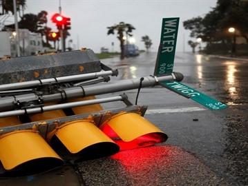 أربعين مليار دولار خسائر ولاية تكساس بسبب الاعصار هارفي