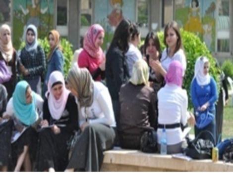 31b379053 نساء بغداد يتحدين الظروف الصعبة ويطالبن بحرية واحترام المرأة في المجتمع